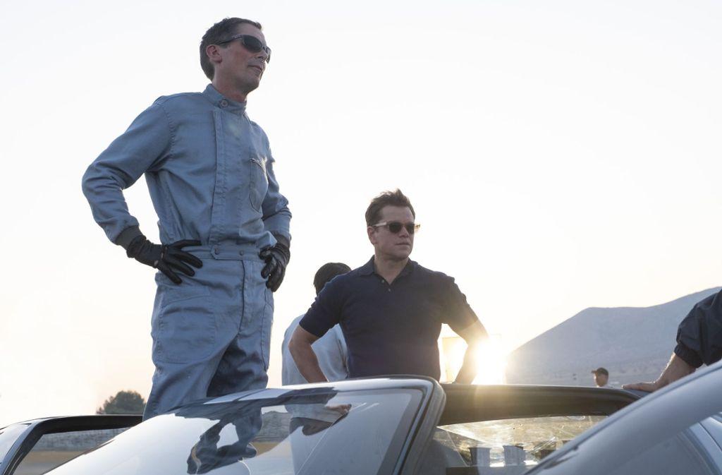 """Christian Bale (links) als Rennfahrer und Matt Damon als Manager sind ein gutes Team in """"Le Mans 66"""", das seine Konflikte mit offenem Visier austrägt – meistens Foto: Twentieth Century Fox//Merrick Morton"""