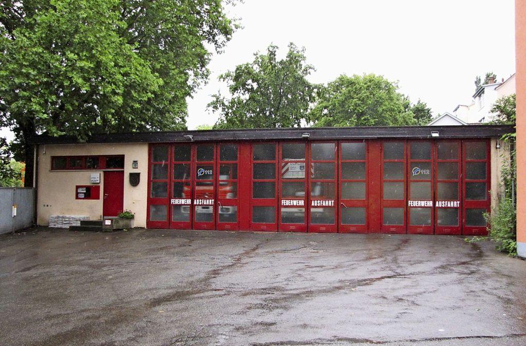 Das Feuerwehrmagazin in der Nagoldstraße ist  mittlerweile zu klein und außerdem sanierungsbedürftig. Foto: Edgar Rehberger