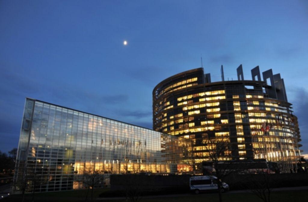 Hier wird lang gearbeitet: das EU-Parlament in Straßburg Foto: dpa