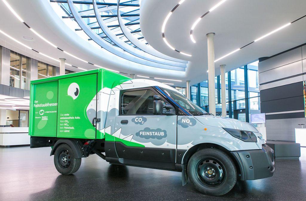 Fünf Street-Scooter,   ausgestattet mit der neuen Technologie,  werden demnächst in der  Region Stuttgart  unterwegs sein. Foto: Mann + Hummel
