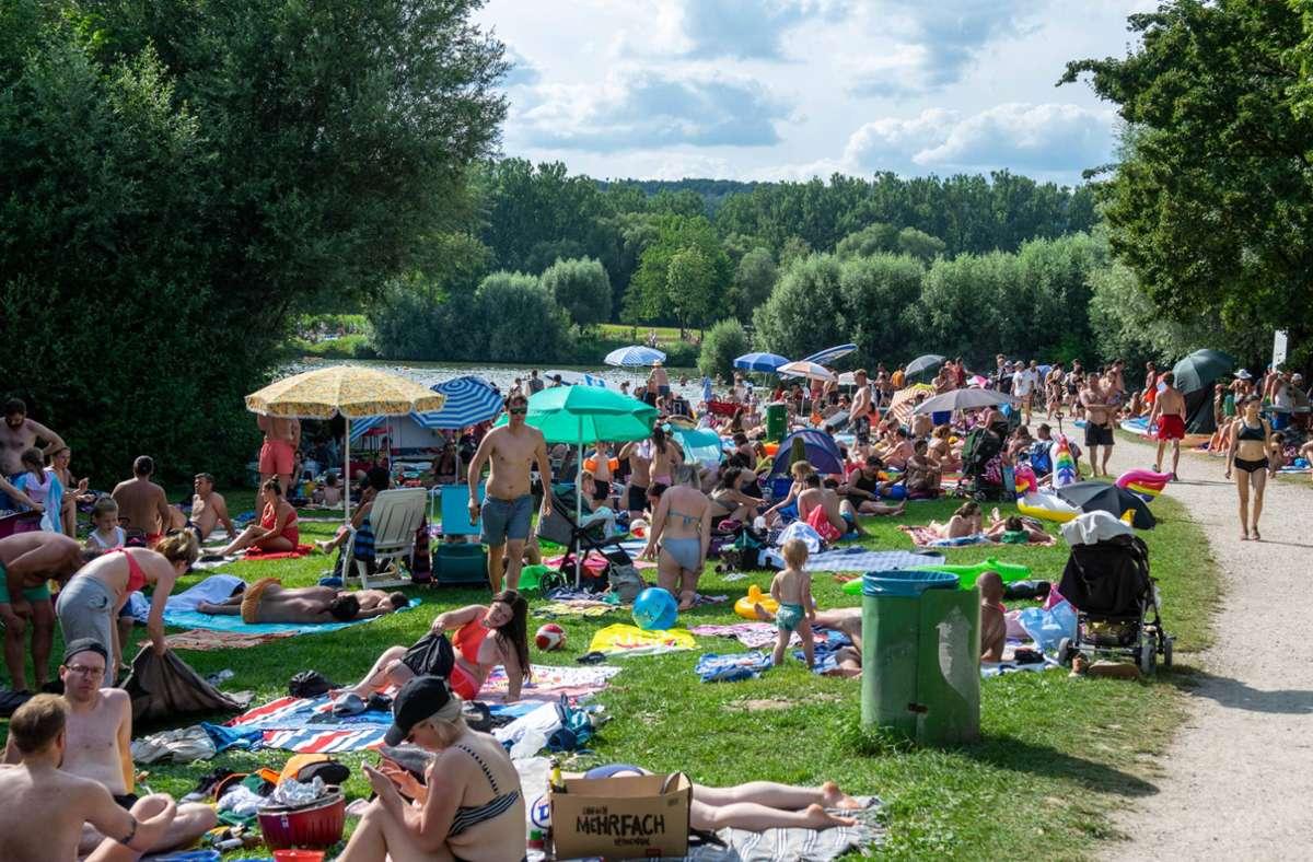 Von Mindestabstand war vergangenes Wochenende am Aileswasensee nichts zu sehen. Foto: /7aktuell.de