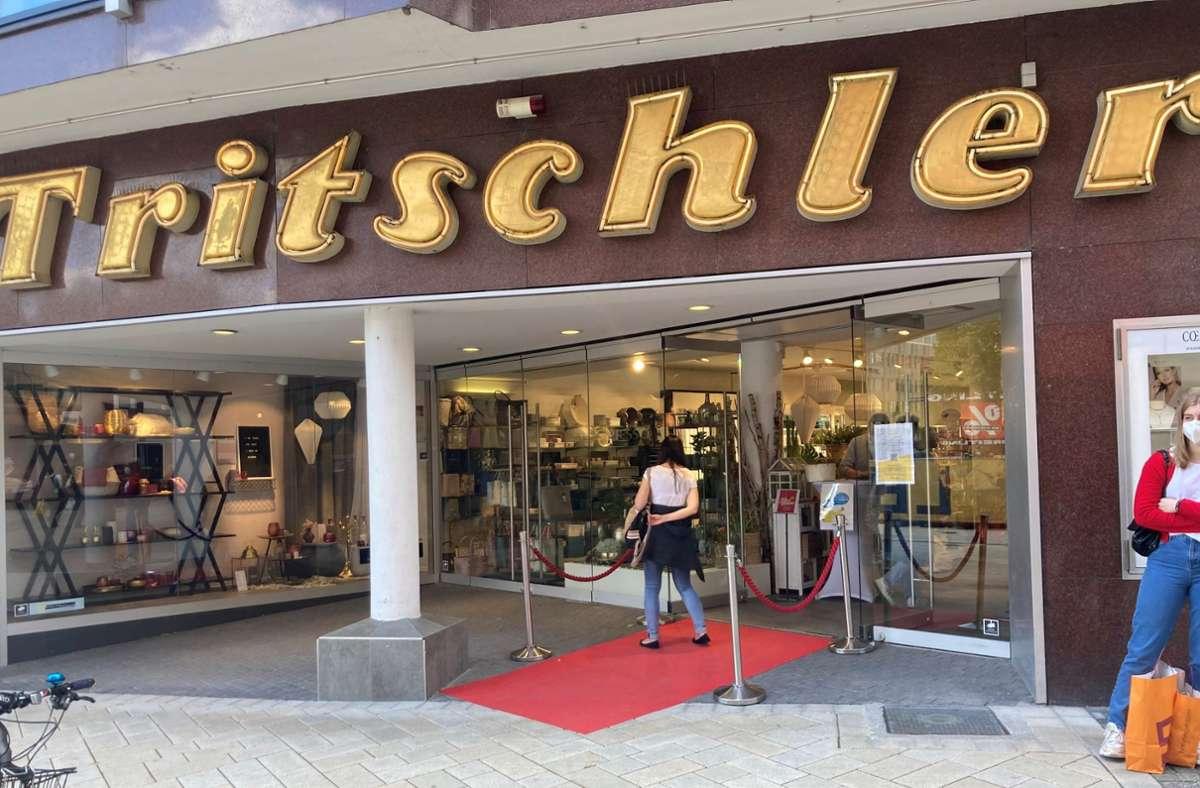 Der Geschäftsführer des Traditionsgeschäftes Tritschler am Marktplatz kann – anders als andere –  nicht klagen. Foto: StZN/Martin Haar