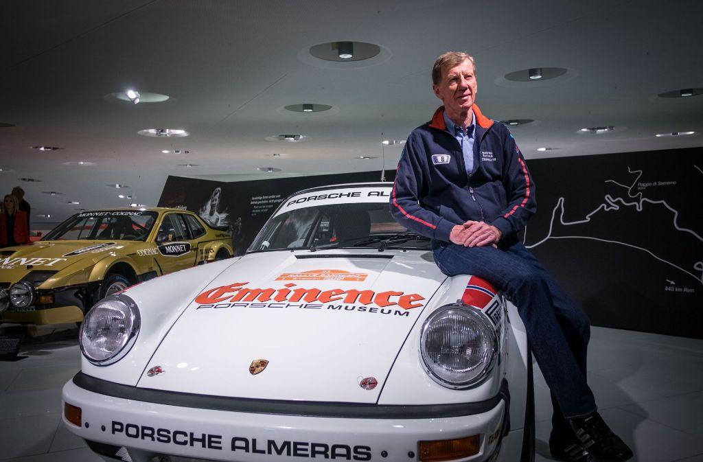 """Ex-Rallye-Weltmeister Walter Röhrl bei der ihm gewidmeten Sonderschau """"Genie auf Rädern"""" im Porsche-Museum. Foto: Lichtgut/Max Kovalenko"""
