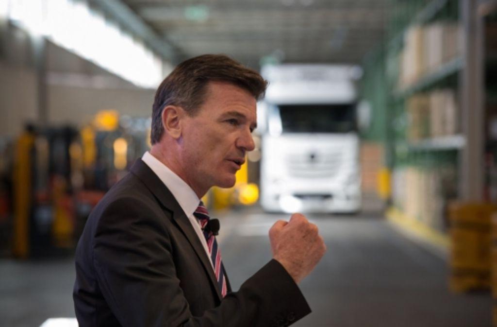 Der Nutzfahrzeugvorstand der Daimler AG, Wolfgang Bernhard beim Pressegespräch. Foto: dpa