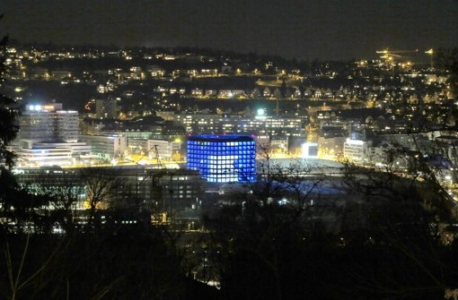 Blaue Laterne: die neue Stuttgarter Stadtbibliothek Foto: Zweygarth