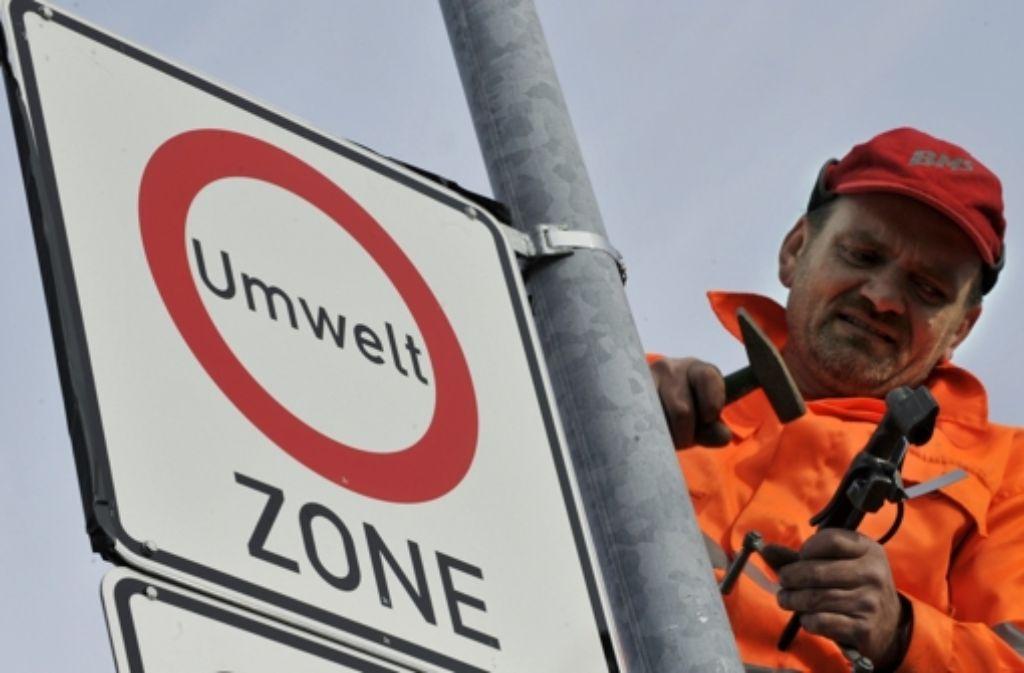 In  Stuttgart soll die Schadstoffbelastung deutlich reduziert werden. Foto: dpa