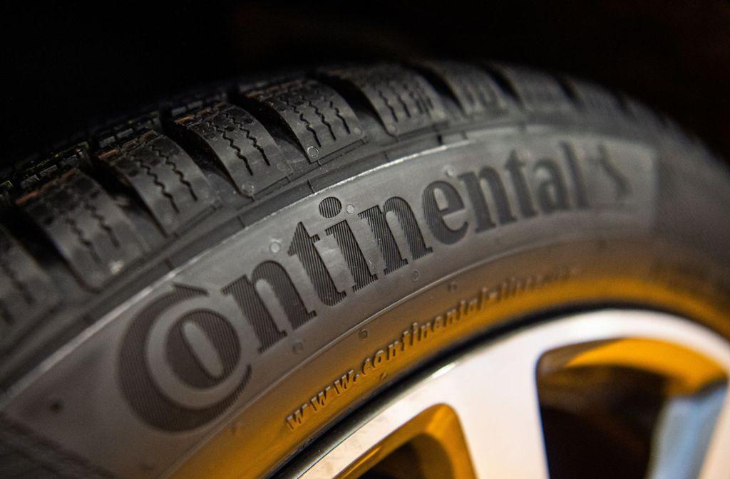 Das Unternehmen Continental ist vor allem für die Herstellung von Reifen bekannt. (Symbolbild) Foto: dpa/Christophe Gateau