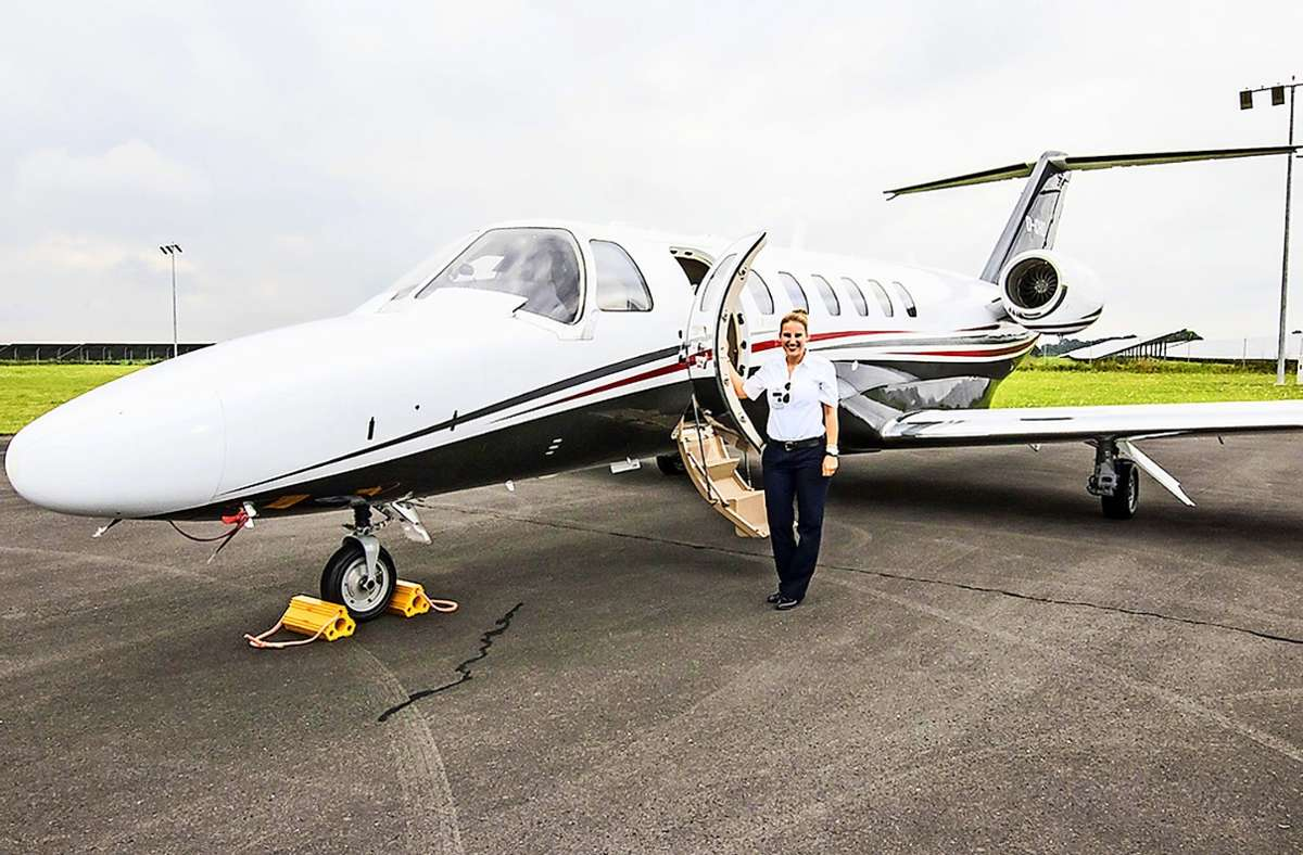 Madeleine Lauer fliegt Geschäftsleute, Privatpersonen, Musiker und manchmal auch Hollywood-Größen von A nach B. Foto: privat