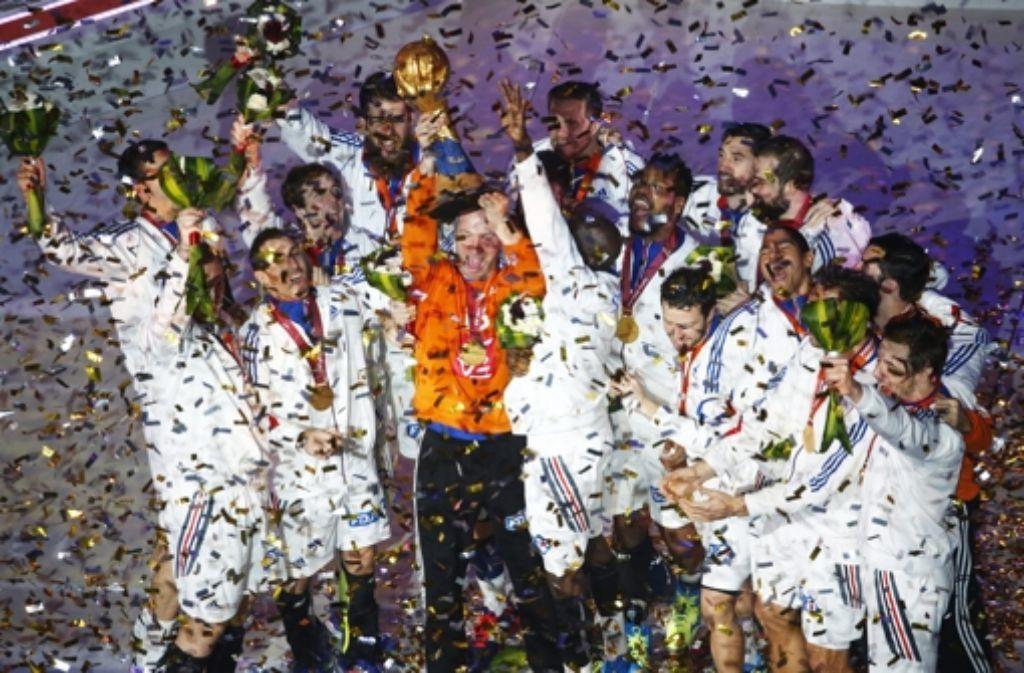 Die Franzosen feiern ihren fünften Handball-Weltmeistertitel. Im Finale besiegten sie Gastgeber Katar. Foto: Qatar 2015 via epa