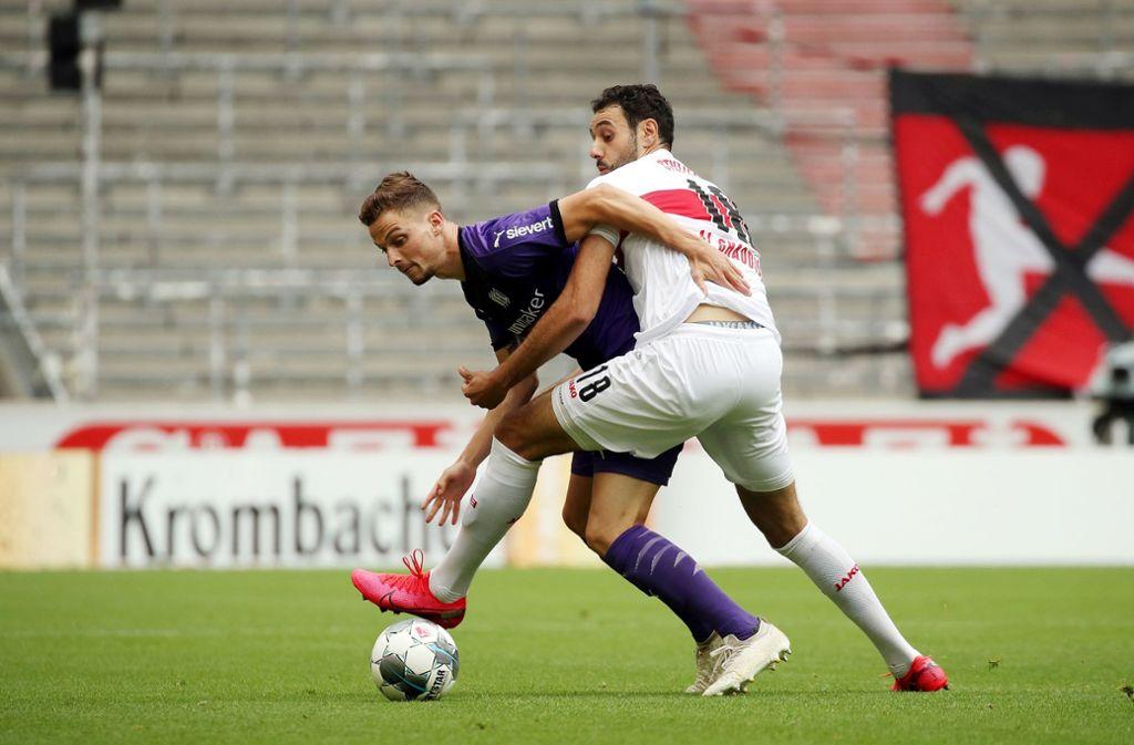 Hamadi Al Ghaddioui (rechts) traf in Dresden für den VfB Stuttgart, gegen den VfL Osnabrück war er wirkungslos. Foto: Pressefoto Rudel/Robin Rudel/POO