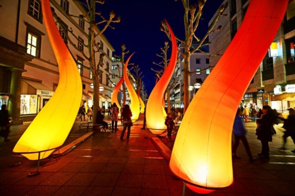 Veranstaltungen wie die Lange Einkaufsnacht sollen mehr Menschen zum Einkaufen in die Innenstadt locken. Foto: Heinz Heiss