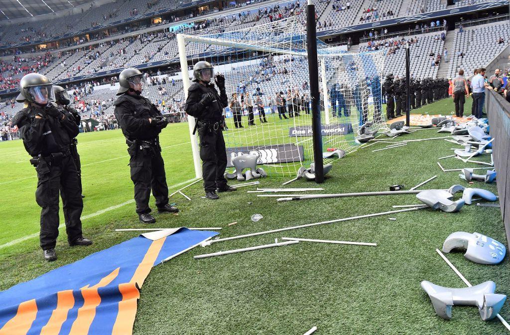 In München war ein Großaufgebot an Polizeikräften notwendig, um die Lage zu sichern. Foto: dpa