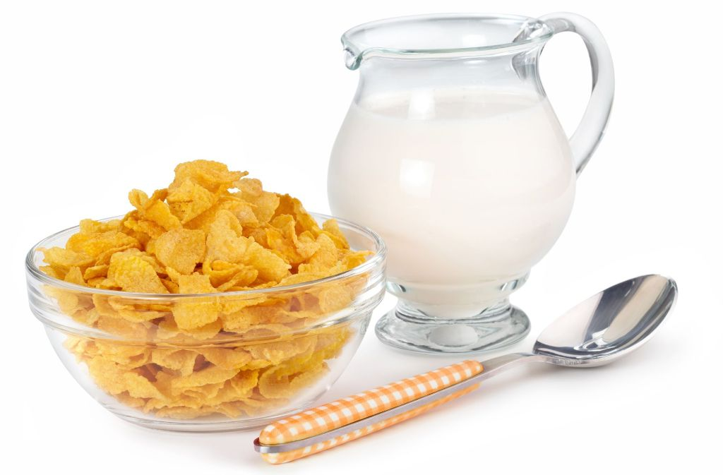 In Lebensmitteln versteckt sich viel zucker: Zwölf Zuckerwürfel stecken allein in 100 Gramm Cornflakes. Foto: Paulista – Fotolia