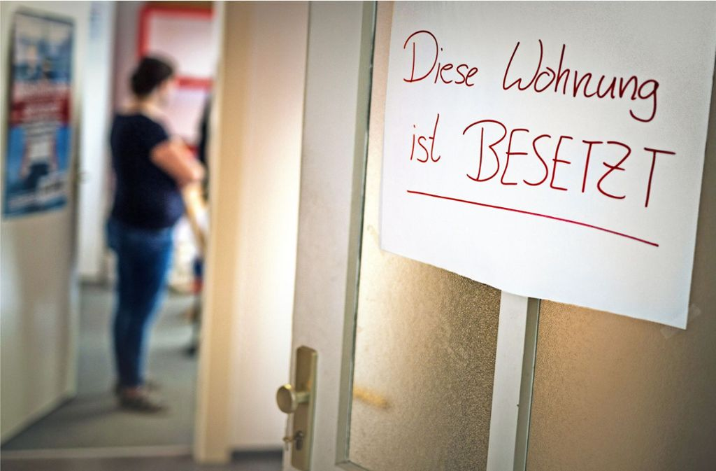 """Ein Immobilienmakler hält die Hausbesetzung für """"überfällig"""". Foto: Lichtgut/Christoph Schmidt"""