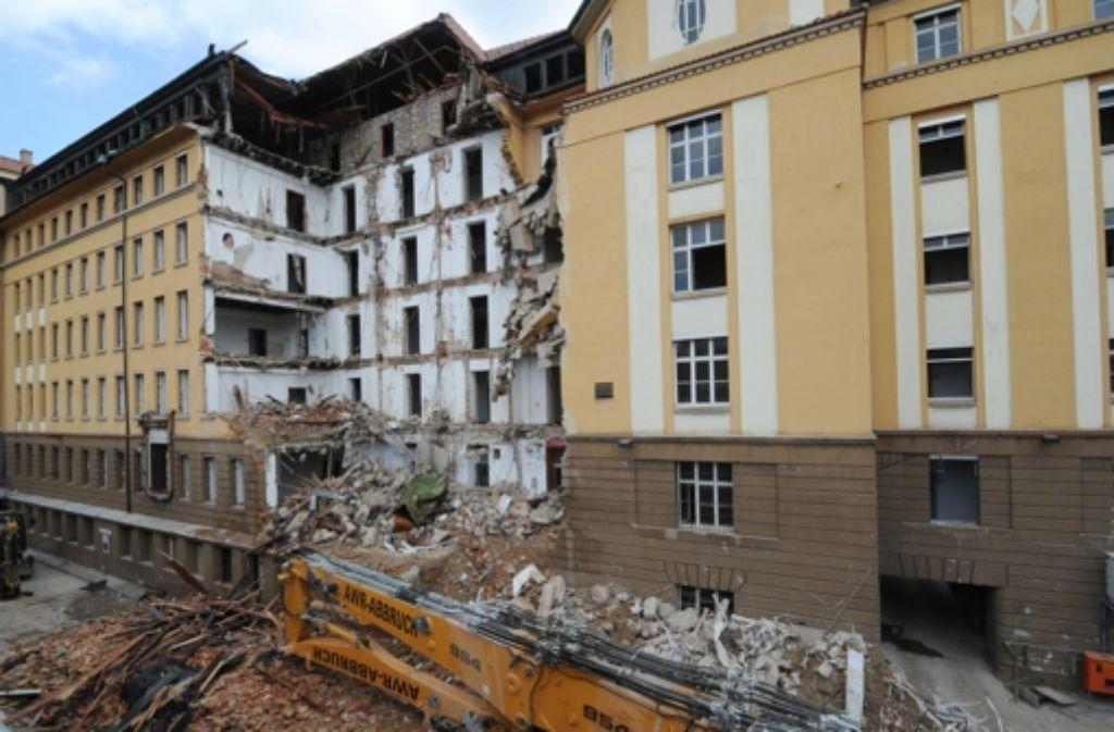 Am Freitag ruhten die Arbeiten an der ehemaligen Bahndirektion. Foto: dpa