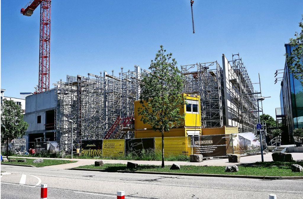 Es geht weiter: Stäbler baut die Kino-Erweiterung in Leonberg. Foto: factum/Simon Granville