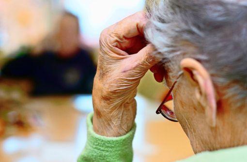 Hilfe bei Demenz und Rückenschmerzen
