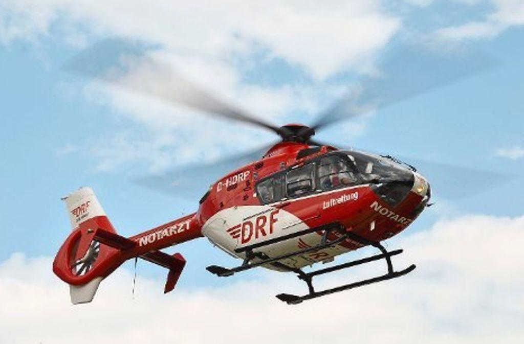 Mit einem Rettungshubschrauber wurde ein 81-Jähriger am Mittwoch in eine Klinik geflogen werden. Foto: DRF Luftrettung