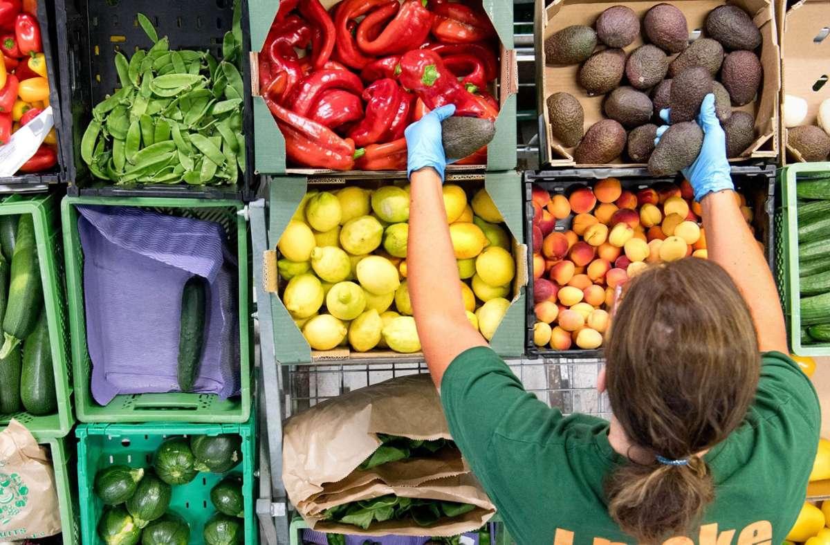 Bioprodukte gelten als hochwertig, umweltfreundlich und gesund. Gut für Umwelt und Tiere sind sie aber nicht zwangsläufig. Foto: dpa/Julian Stratenschulte