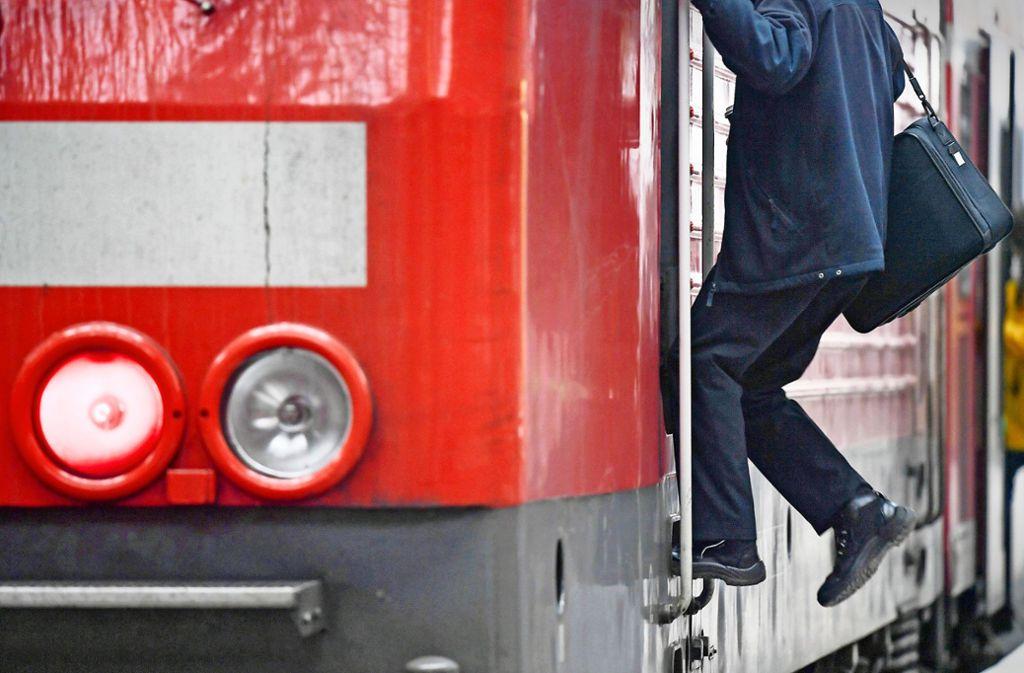 Lokomotivführer sind gefragte Fachkräfte. Foto: dpa/Arne Dedert