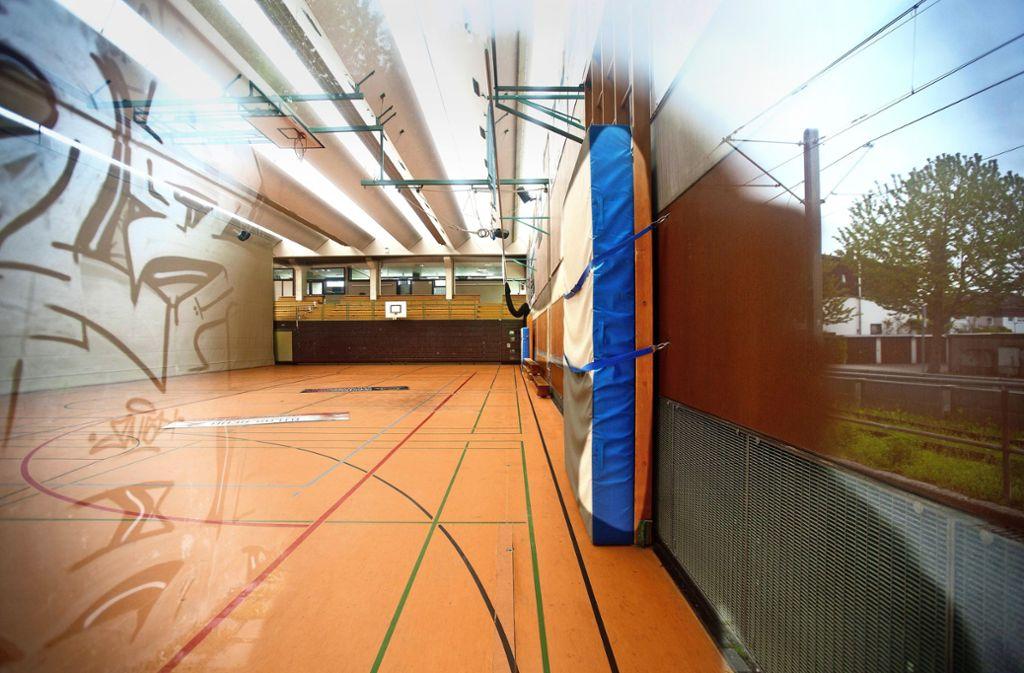 Die in die Jahre gekommene Sporthalle 1 wird durch einen Neubau ersetzt. Foto: