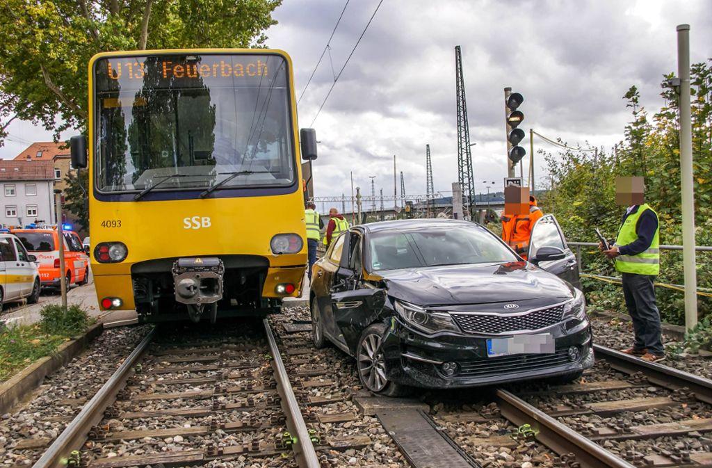 Ein Autofahrer hatte die Stadtbahn übersehen, ... Foto: 7aktuell.de/Andreas Werner