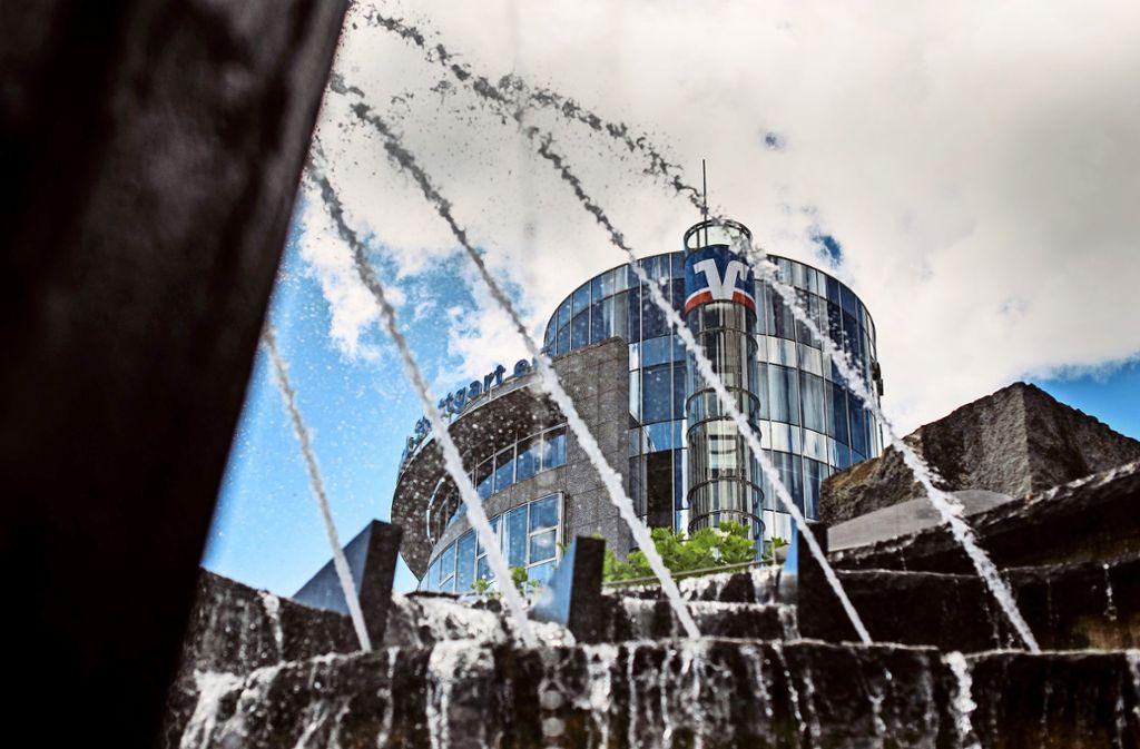 Noch sitzt der Vorstand  der Volksbank Stuttgart in der Stadtmitte. Im zweiten Halbjahr zieht er nach Cannstatt. Foto: Lichtgut/Max Kovalenko