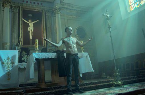 Ein falscher Priester und eine seltsame Göre