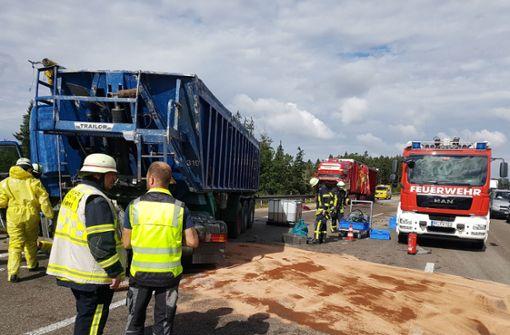 A8 nach schwerem Lkw-Crash stundenlang voll gesperrt