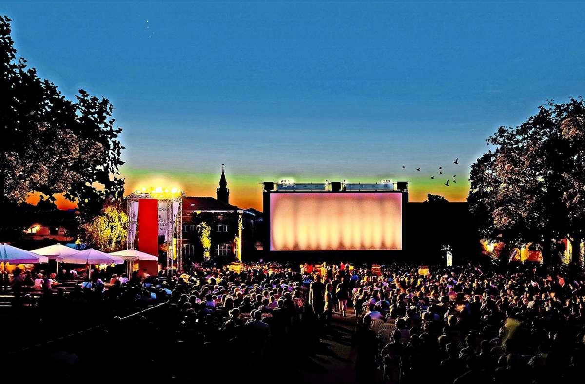 Zuschauermagnet: In den vergangenen Jahren bot das Open-Air-Kino in Ludwigsburg bis zu 3000 Besuchern Platz. In diesem Jahr werden deutlich weniger Zuschauer in den Genuss eines echten Kinoerlebnisses unter freiem Himmel kommen. Foto: Kinokult/Reiner Pfisterer