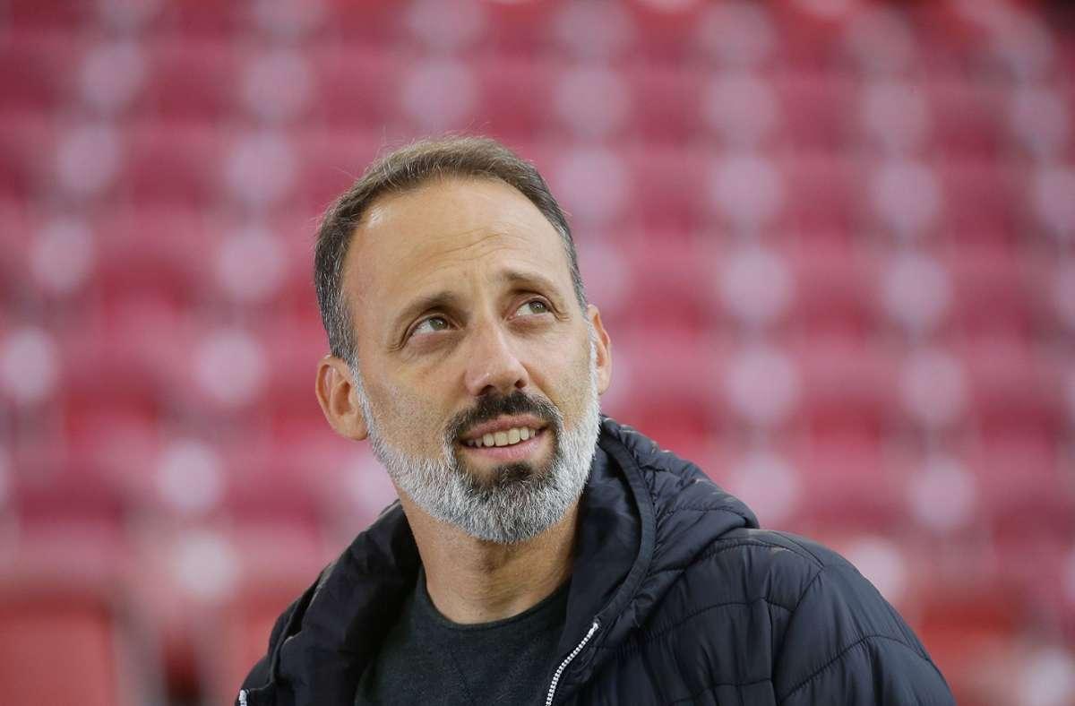 VfB-Trainer Pellegrino Matarazzo lässt sich ungern in die Karten blicken. Foto: Baumann