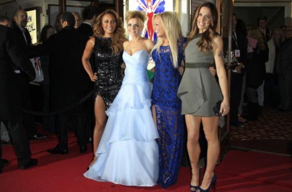 Eins, zwei, drei, vier Spice Girls - wo ist Nummer fünf? Während Mel B, Geri Halliwell, Emma Bunton und Mel C (von links) an der Premierenfeier ihres Musicals Viva Forever zusammen über den roten Teppich gingen, ... Foto: AP