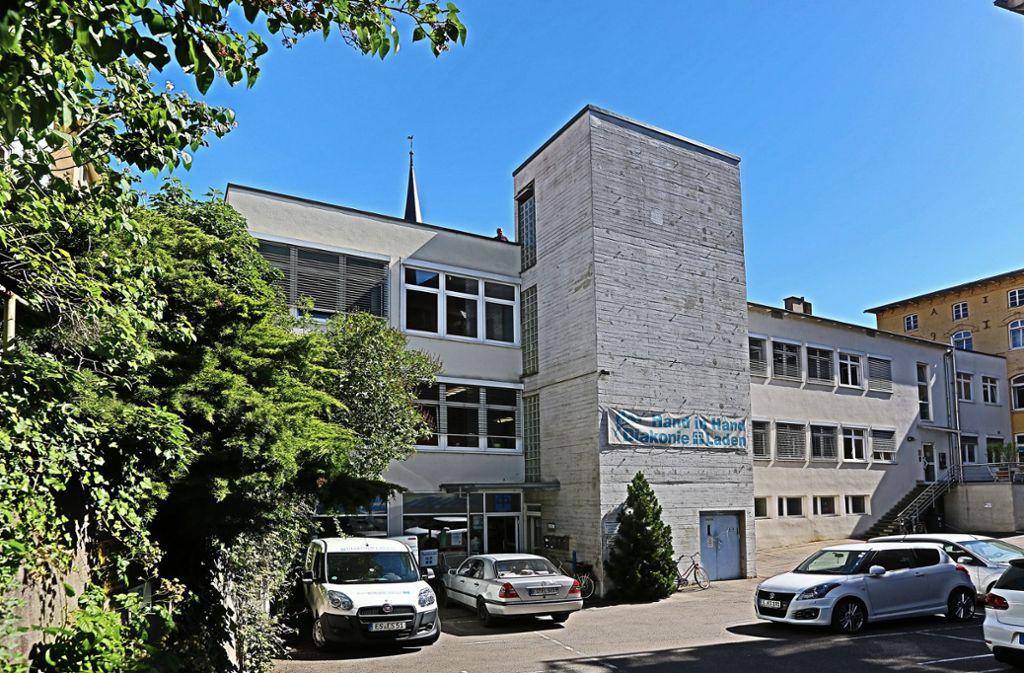Diese Gebäude in der Küferstraße müsste der neuen Bücherei weichen. Foto: Horst Rudel