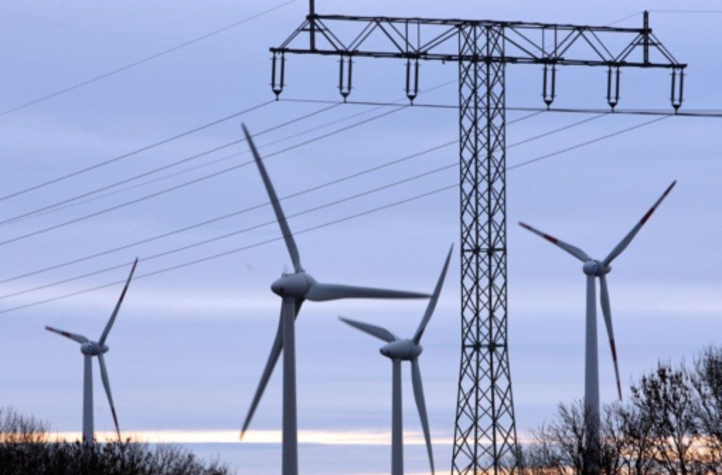 Wenn der Koalitionsvertrag umgesetzt wird, würden 50 Prozent der geplanten Standorte für Windräder wegfallen. Das empört den Ministerpräsidenten. Foto: dpa-Zentralbild