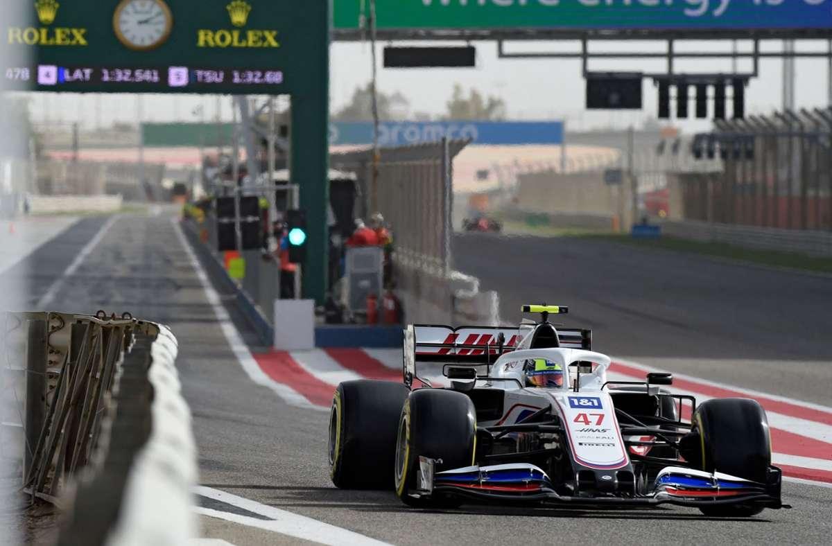 Für Mick Schumacher lief es nach dem Pannenstart vom Freitag besser. Foto: AFP/MAZEN MAHDI