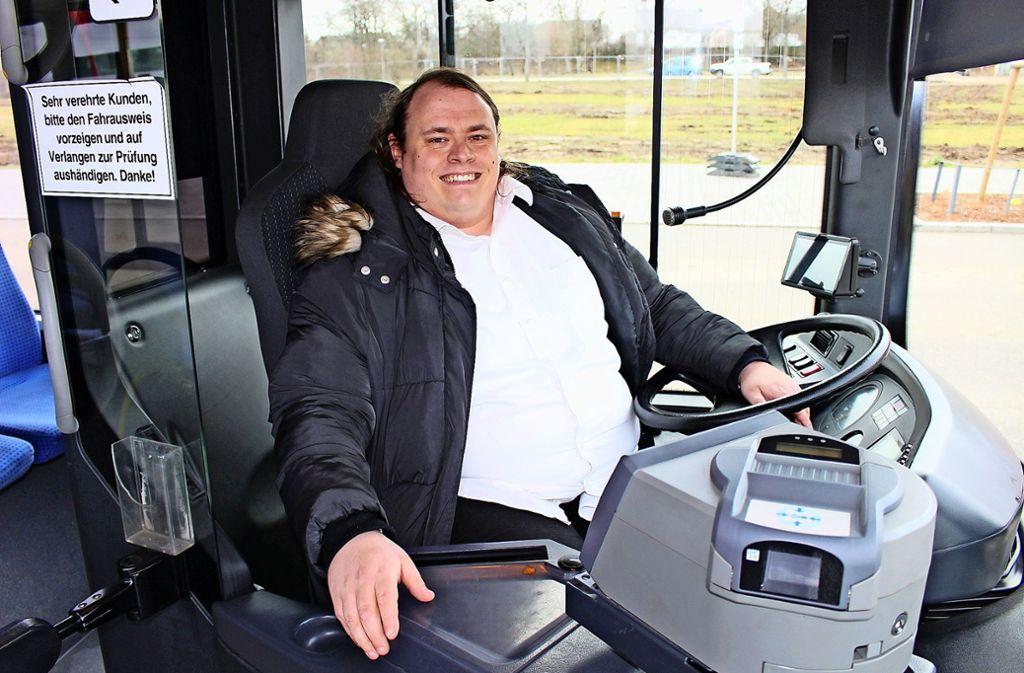 Silvia Weiß ist Busfahrerin, seit August arbeitet sie bei FMO. Foto: Caroline Holowiecki