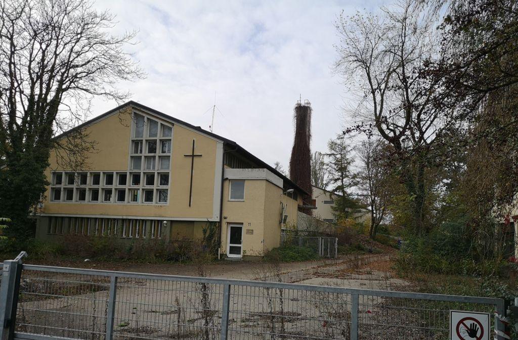 Was aus der Hangweide nach dem Abriss des Kirchsaals und anderer Häuser  wird, interessiert die  Bürger sehr. Foto: Patricia Sigerist