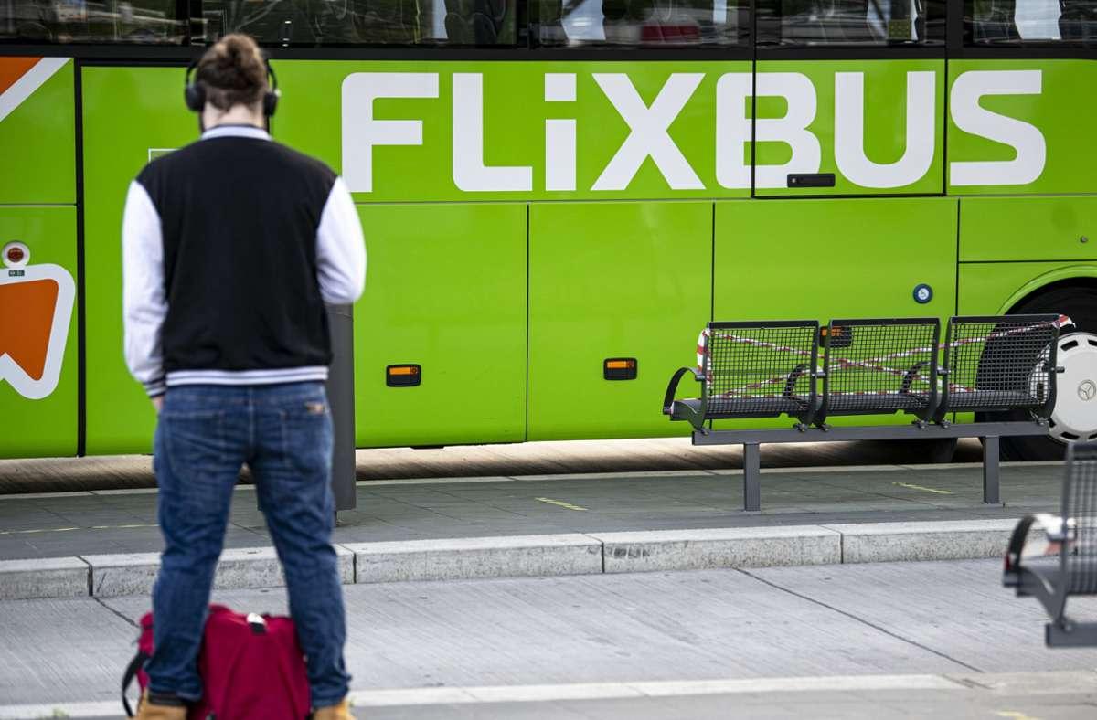 Rund um die Feiertage fährt Flixbus wieder Ziele an. Foto: dpa/Fabian Sommer