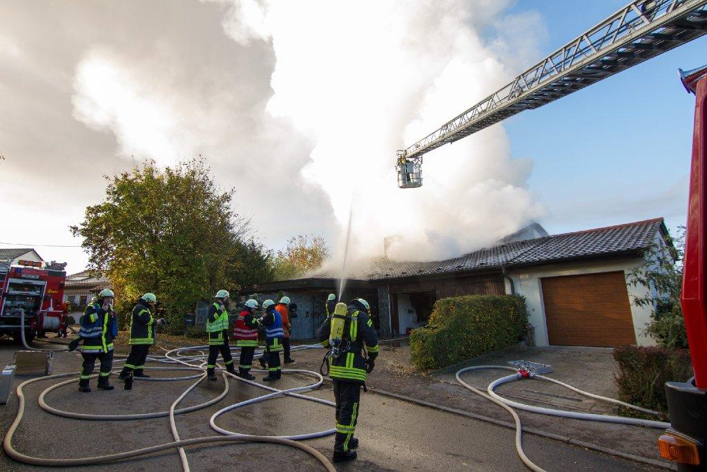 Beim Brand eines Einfamilienhauses in Großbottwar (Kreis Ludwigsburg) ist am Donnerstag ein 81 Jahre alter Mann lebensgefährlich worden.  Foto: www.7aktuell.de | Dan Becker
