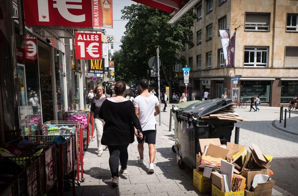 Die Marienstraße in Stuttgart hat zwar in den letzten Jahren eine Aufwertung erfahren. Ein Vorzeigefleckchen ist sie aber noch nicht. (Archivbild) Foto: Lichtgut/Achim Zweygarth