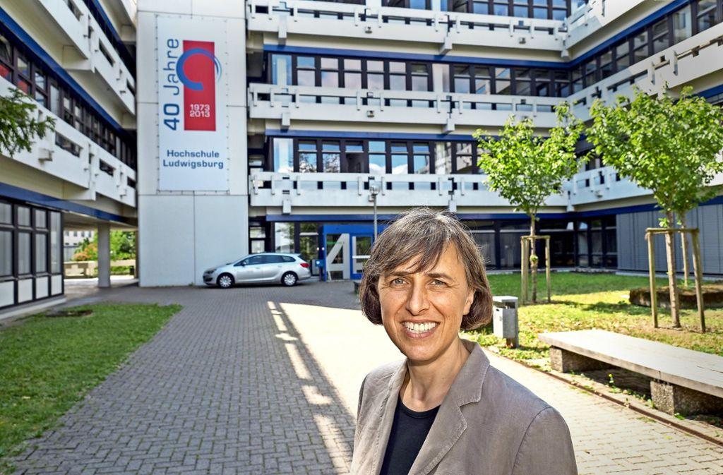 Elke Gaugel coacht eine Interessentin auf deren Weg zur Professorin Foto: factum/Weise
