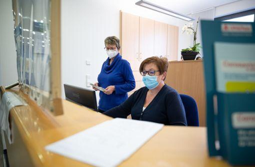 Arzthelfer verzweifelt gesucht – Hausärzte sorgen sich um Personal