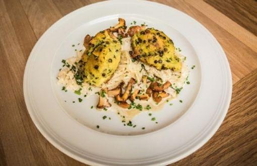 Polenta-Nocken auf Sauerkraut von Thomas Adam
