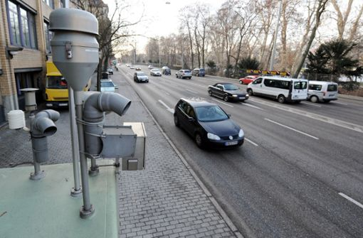 Zwei Kritiker der Stuttgarter Fahrverbote überziehen