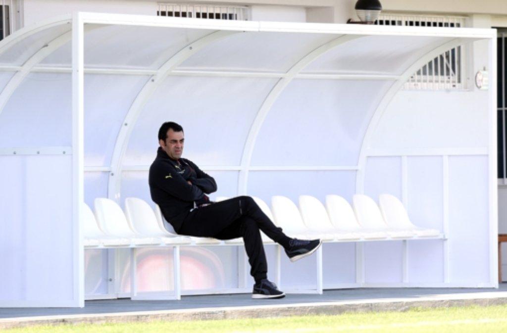 Immer auf der Suche nach Verstärkung für die Innenverteidigung des VfB Stuttgart: Robin Dutt. Foto: Pressefoto Baumann