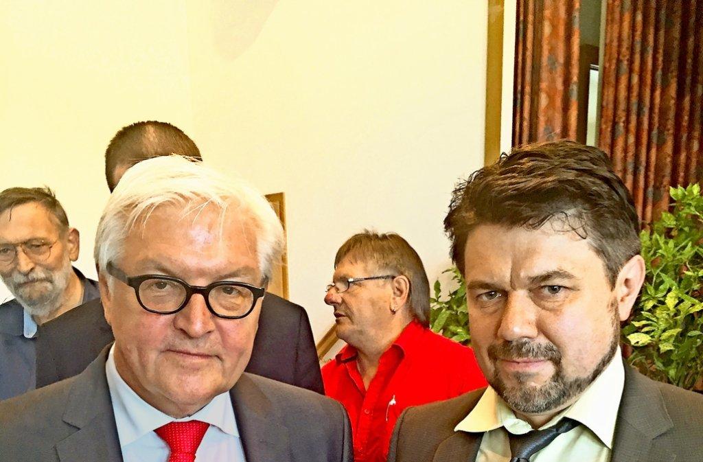 Seit 22 Monaten sucht Thomas Karzelek (rechts) nach seiner Tochter Lara. Jetzt hat er den Außenminister Frank-Walter Steinmeier getroffen. Foto: privat