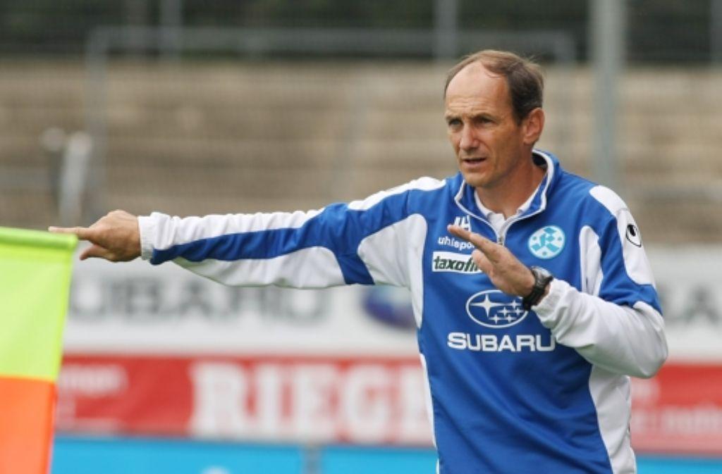 Jürgen Hartmann führt die zweite Mannschaft der Stuttgarter Kickers zu einem 1:0-Erfolg gegen den SSV Reutlingen. Foto: Pressefoto Baumann