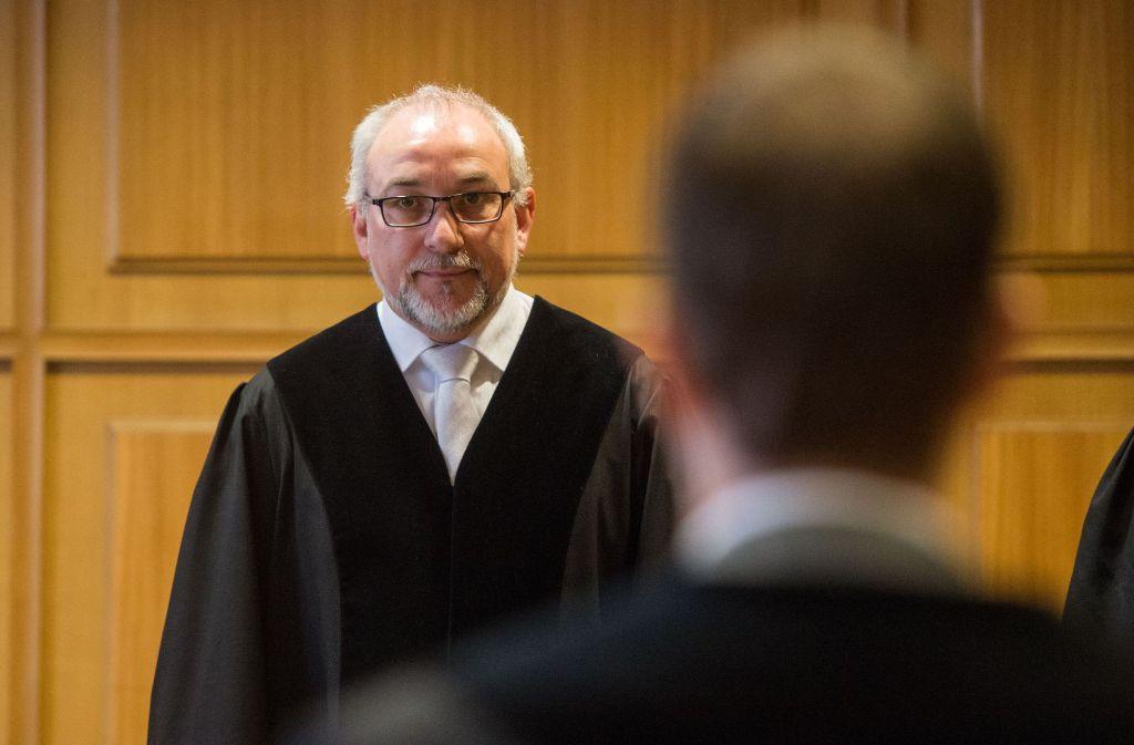 Wegen privater Probleme und Langeweile soll der Angeklagte die Bombedrohung ausgesprochen haben. Jetzt steht er vor dem Landgericht Heilbronn. Foto: dpa