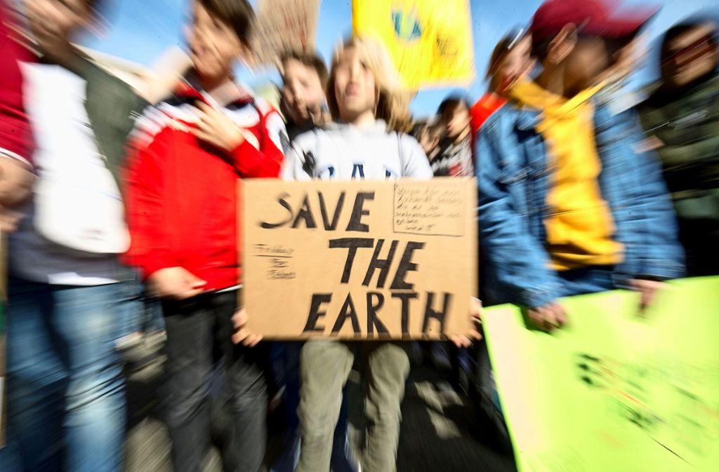 Der Klimawandel und die Untätigkeit der Politik in Bezug darauf hat viele Jugendliche politisiert – und sie auch dazu gebracht, auf die Straßen zu gehen. Foto: Lichtgut/Leif Piechowski