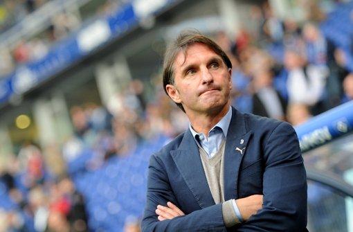 Bruno Labbadia verhandelt mit dem VfB über eine Vertragsverlängerung. Foto: dpa